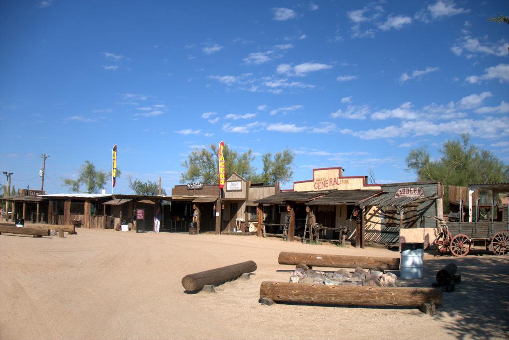 macdonalds-ranch-town
