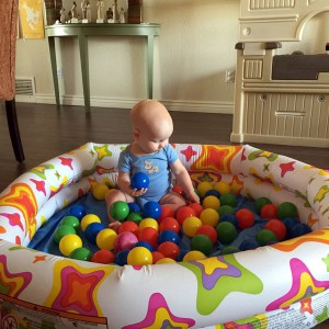 best-kids-ball-pit-for-baby-photo